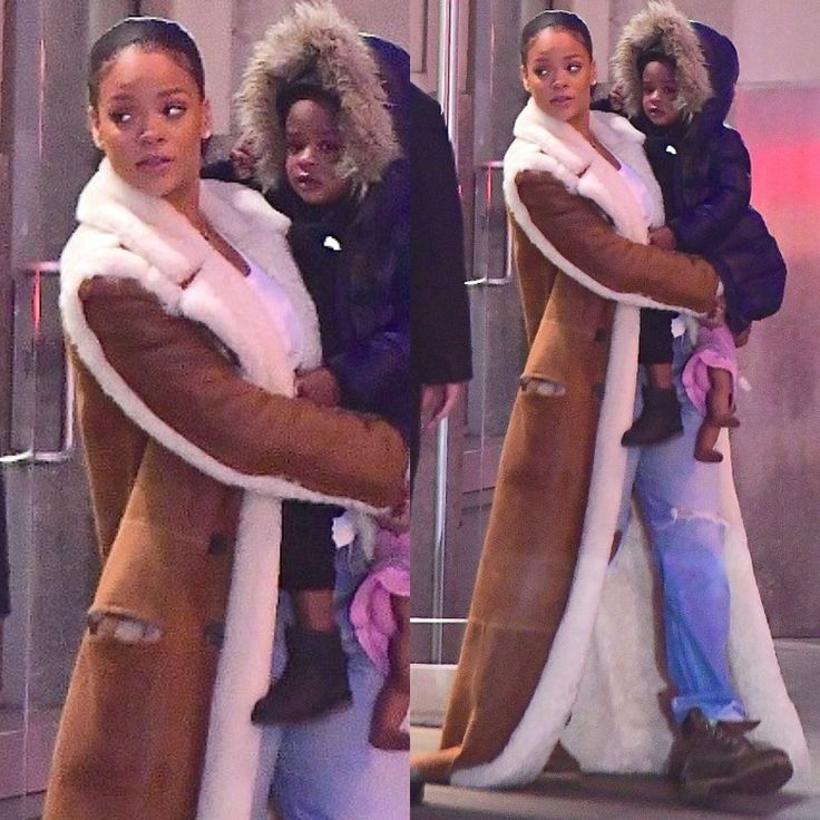 Rihanna wearing Chloe Coat, Levi's Boyfriend Jeans and Timberland Boots