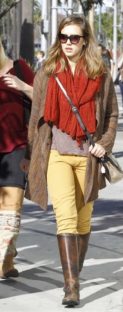 Jessica Alba in the a+ro Mary Scarf. -WhitneyChristmas Weekend, Mary Scarf, Knits Scarves, Brunches 16, Aros Mary, 16 Jessica, Alba Sports, Alba Christmas, Jessica Alba