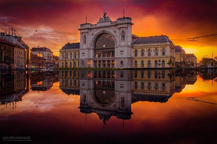 Radiant Photos of Sunrises and Sunsets Over Budapest's Skyline