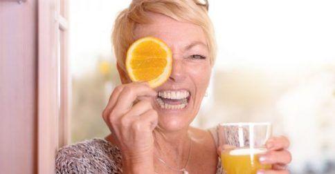 Εμμηνόπαυση: Οι βιταμίνες που βοηθούν στηο διαχείριση των συμπτωμάτων