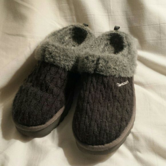 Skechers slippers Two tone grey, excellent condition, comfortable Skechers Shoes Slippers