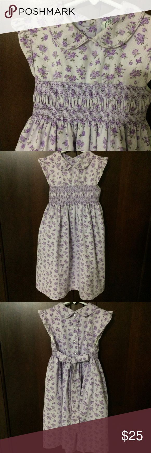 """✨ SALE ✨ Girls Laura Ashley dress with Smocking Beautiful thick fabric with a collar and little ruffle as the sleeve. The Smocking though of course is my favorite  almost 28.25"""" long from shoulder to hem..bundle 2 and save 15% ⚡️ Laura Ashley Dresses"""