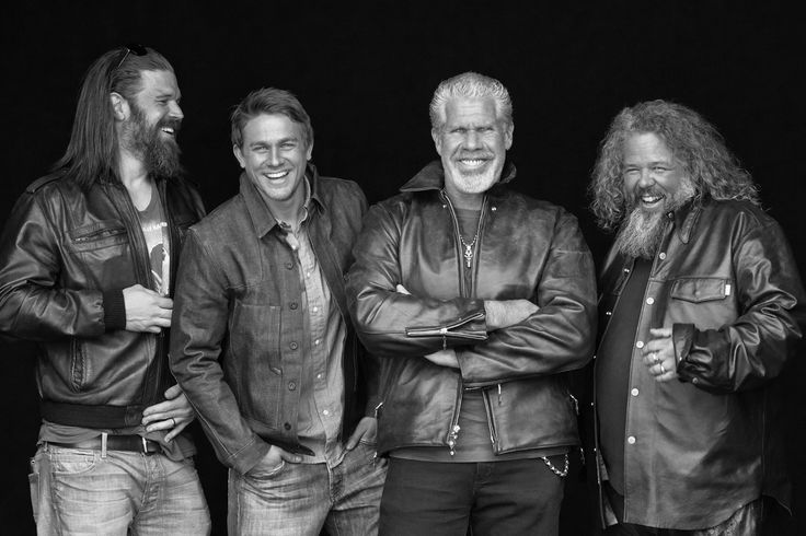 Sons Of Anarchy Cast so weird to see them actually happy!! opie I love you :(