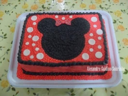 bolo minnie vermelha quadrado e simples