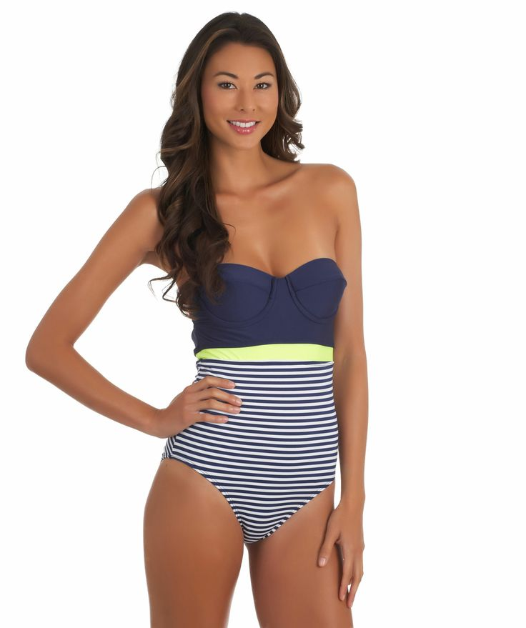 Browse swimsuits and apparel from the world's leading athletic brand, Nike. Nike Swim offers men's, women's and kid's swimwear in a variety of styles.