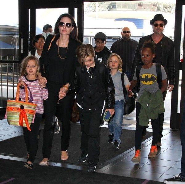Brad Pitt Zahara Jolie Pitt Photos - Brad Pitt and Angelina Jolie Departing Los Angeles With Their Kids - Zimbio