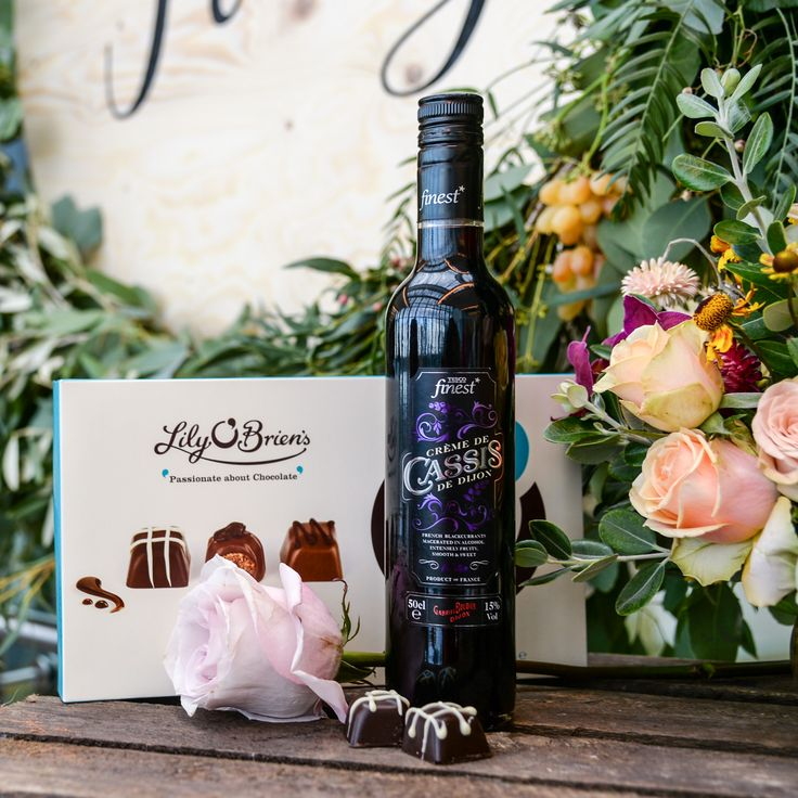 """Kir (formerly known as Blanc-Cassis) is dry white wine with a dash of Crème de Cassis de Dijon, an aromatic dark blackcurrant flavoured liqueur. The luscious dark fruit flavour dovetails sublimely with this decadently rich dark chocolate. An irresistible combination!"""