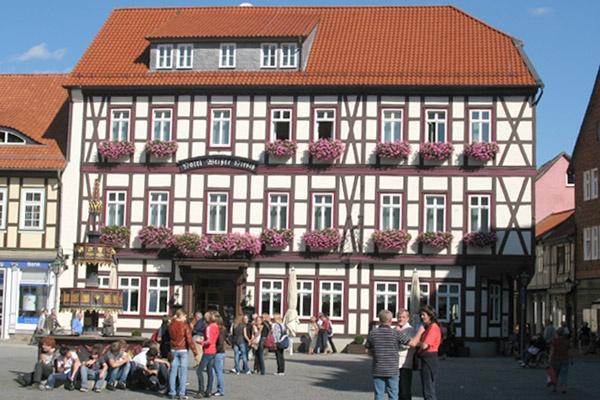 Blick auf das Hotel Weisser Hirsch in Wernigerode.