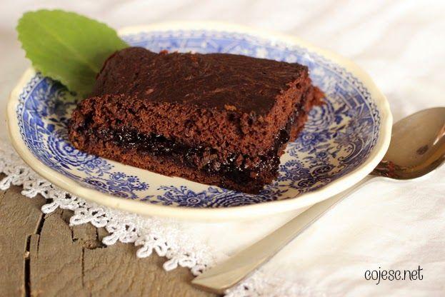 Dietetyczne ciasto dla wielbicieli czekolady (z fasoli) http://zdrowe-odzywianie-przepisy.blogspot.com/2014/02/dietetyczne-ciasto-dla-czekoladoholika.html