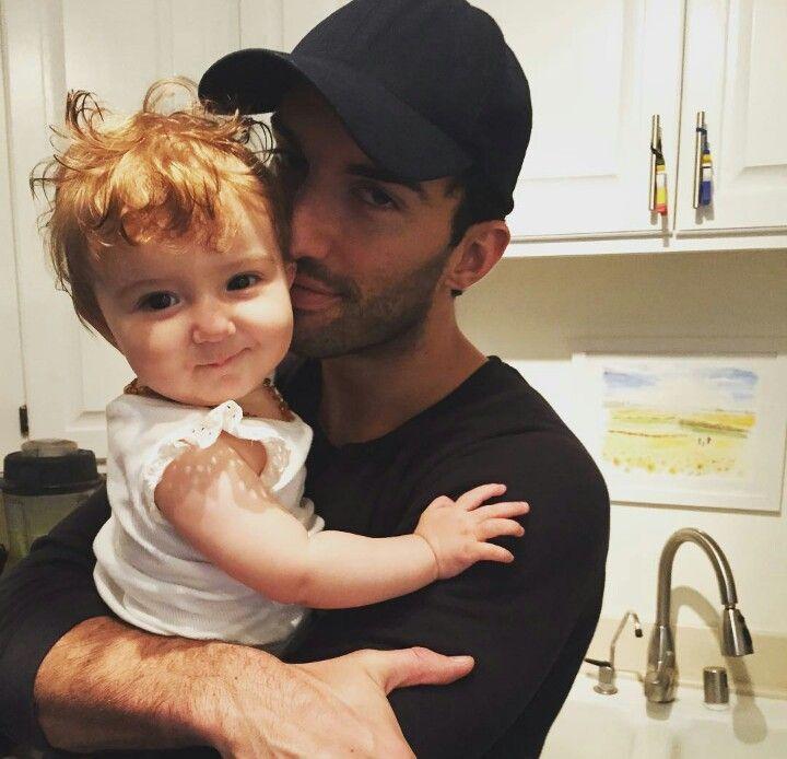 Justin Baldoni with his child