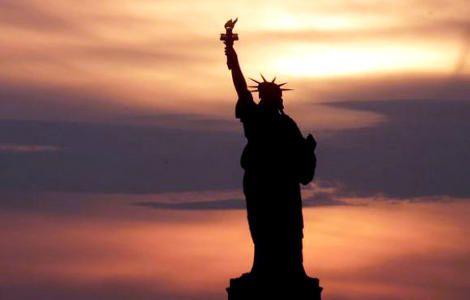 Σήμερα οι ΗΠΑ γιορτάζουν. Οι Ηνωμένες Πολιτείες ιδρύθηκαν από τις δεκατρείς Βρετανικές αποικίες οι οποίες βρίσκονταν κατά μήκος της ακτής του Ατλαντικού. Στις 4 Ιουλίου 1776, εξέδωσαν την Διακήρυξη της Ανεξαρτησίας, η οποία διακήρυξε το δικαίωμα στην....  Read more: http://rizopoulospost.com/to-oxygono-tis-anaptiksis-einai-i-eleutheria/#ixzz2Y59DomkM Follow us: @Rizopoulos Post on Twitter | RizopoulosPost on Facebook #independence-day #Greece #Freedom
