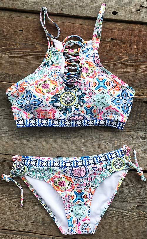 We love the simple femininity of this floral bikini. You can feel cool with lace up front & comfortable fabric. Cupshe.com has more to satisfy you!