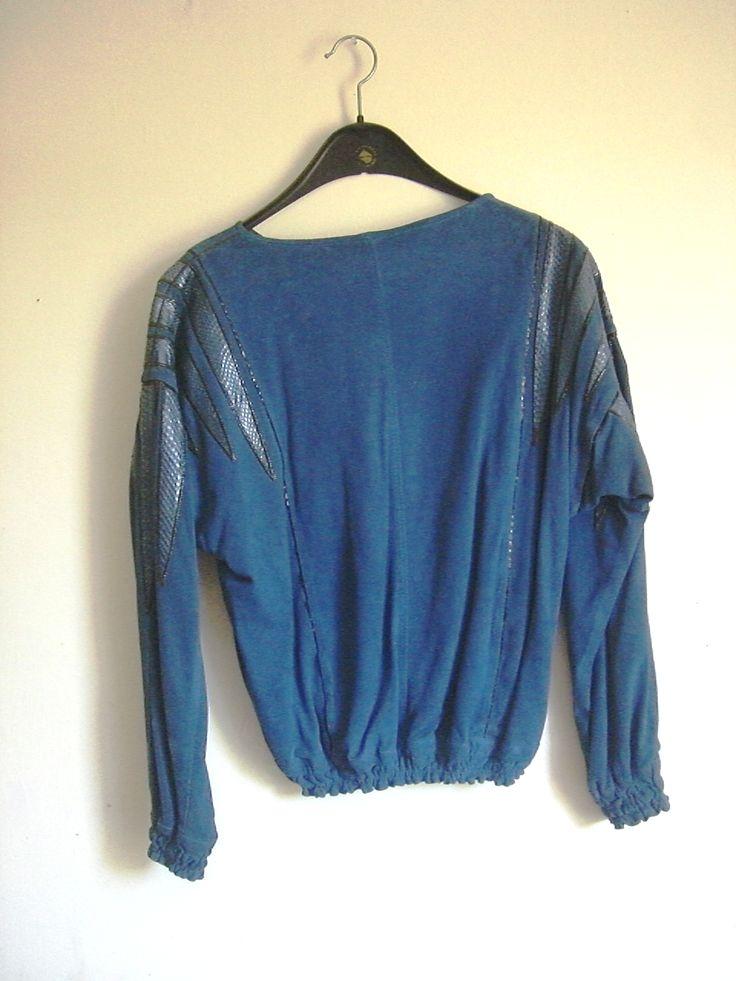 blaues Ledertop