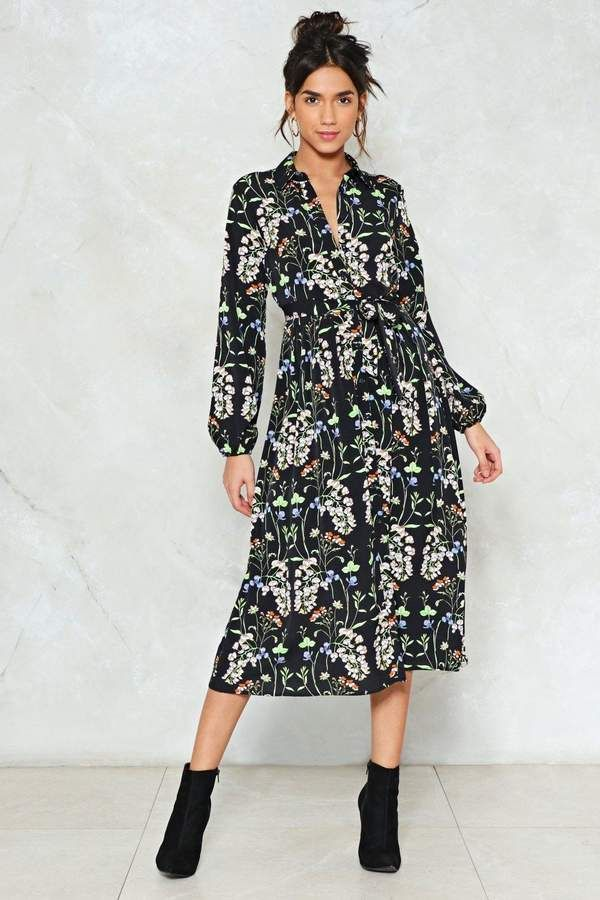 Nastygal Midi Child Floral Dress   2018 Spring Outfit Fashion Trend - Floral   Cute Summer Outfit   Spring Outfit   2018 Inspo #WomensFashion #SpringOutfits #CuteOutfits #FashionTrends #summeroutfits #ad Follow me for more 2018 Fashion Inspo!