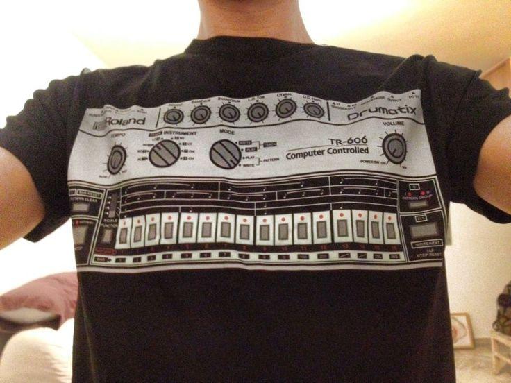 Diseño personalizado caja de ritmos Roland.