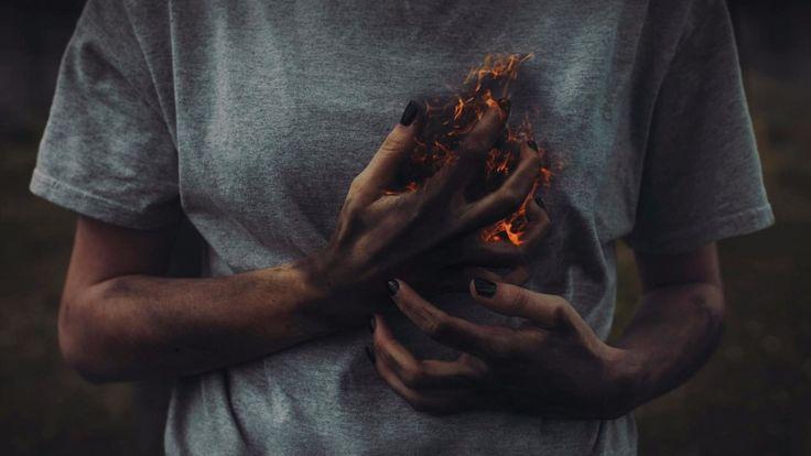 Кто сказал, что время лечит — тот не знал большого горя. Не заживают раны в сердце, просто привыкаешь к боли.