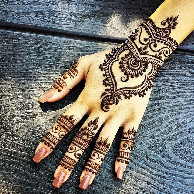 Arabic mehndi designs for bride relatives 04