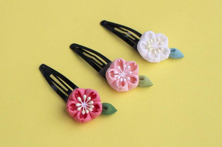 七五三♫正絹 桜のぱっちんヘアピン つまみ細工の画像1枚目
