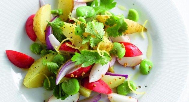 Salade van aardappeltjes, radijs en tuinbonen