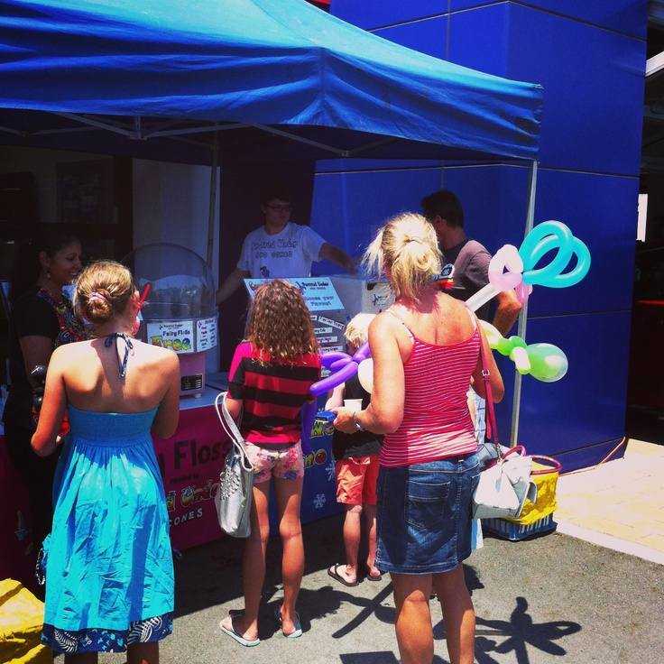 Zupps Mt Gravatt Sales Day. People lining up by the dozen for Matt's Sno Cones, Fairy Floss and Popcorn!