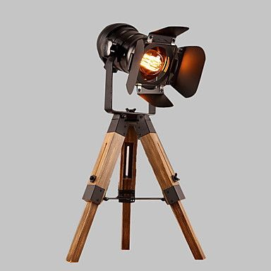 Modern Creative Wooden Table Lamp with Metal Shade Decorate for the Foyer / Study Room House Decorate Dest Lamp