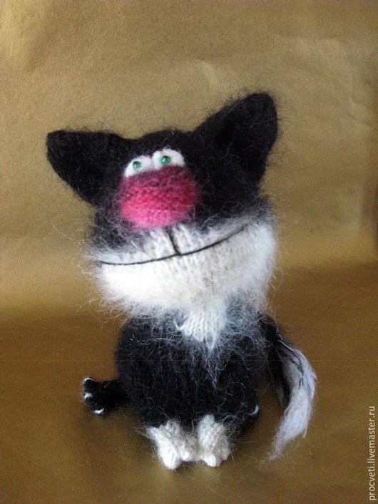 Игрушки животные, ручной работы. Ярмарка Мастеров - ручная работа. Купить Котенок черно-белый - вязаная игрушка. Handmade.