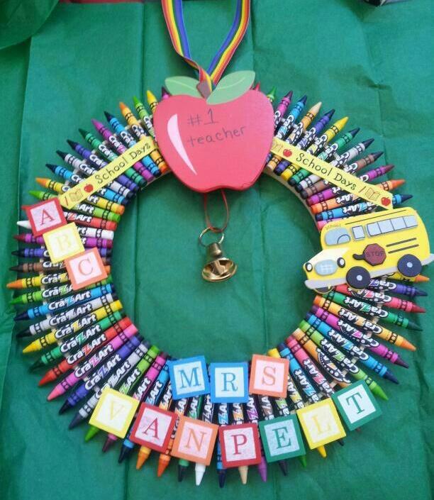 Teachers crayon wreath #2