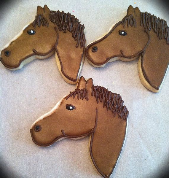 These cookies would be lovely for a cowboy, cowgirl, pony/horse themed party, or a horse lover in your life!  You can personalize these with a