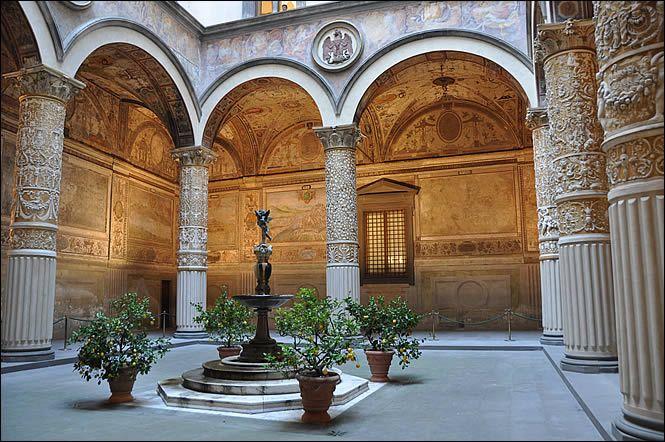 cortile del Palazzo Vecchio Firenze