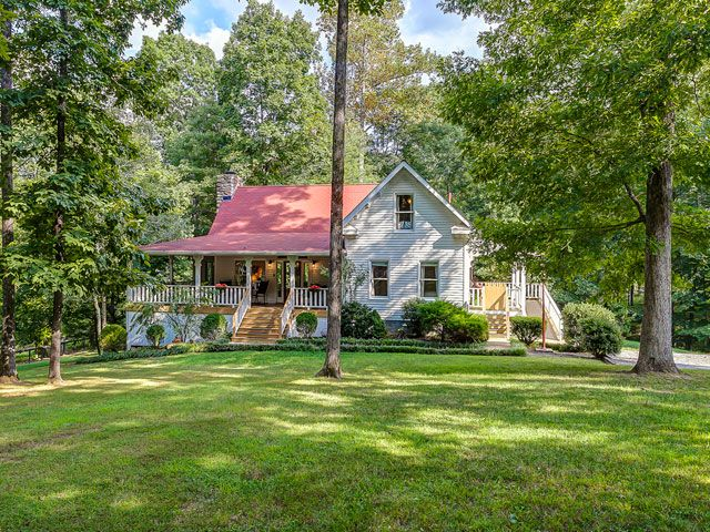 This charming vacation rental lets you live the farmhouse lifestyle.