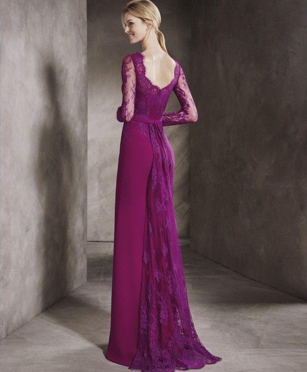 espectacular vestido de boda color buganvilla, realizado en encaje y