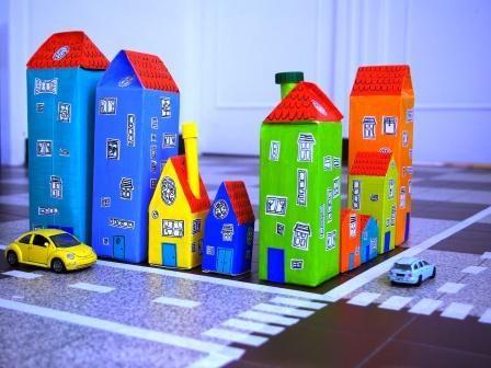 Créez avec quelques briques de jus d'orange une ville haute en couleurs pour vos loulous. C'est l'atelier du mercredi de C-MonEtiquette !