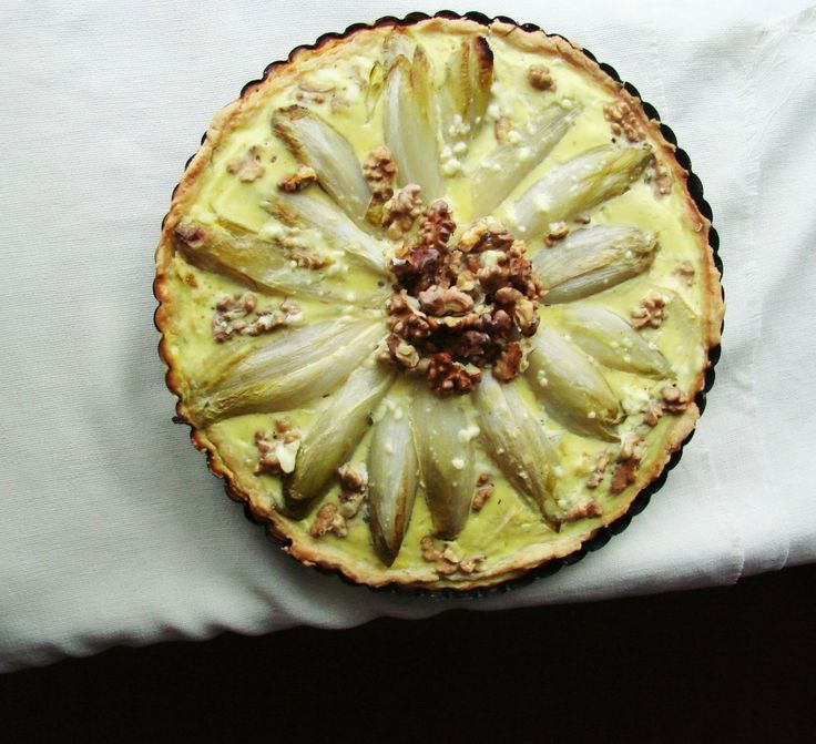 Vegetarische hartige taart met witlof