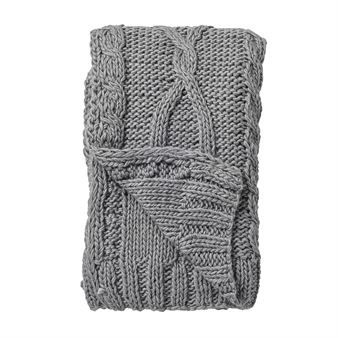 The knitted blanket from Bloomingville is a cozy detail for your sofa, arm chair or bed. It´s soft and comfy like a knitted cardigan, perfect to wrap yourself in when it´s chilly. A knitted blanket is a real classic and will never goes out of fashion. It´s easy to match with other blankets and cushions and is very homely!