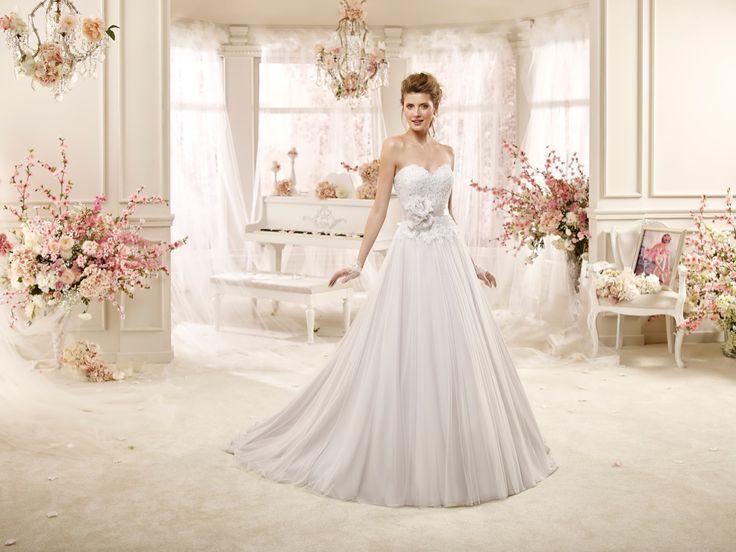 #wedding #weddingdress #2016 #collection #bride #bridal #brides #fashion #love #white #sposa #abitodasposa #bianco #marriage #flowers