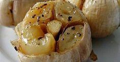 spicchi d'aglio al forno