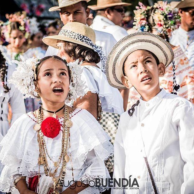 📷 @augustitobu -  Identidad Nacional 4🇵🇦 Orgullosamente Panameño!  Las Tablas, Los Santos📍 Canon 70D - - - - - #bestoftheday #picoftheday #lastablas #lossantos #photography #sombreropintao #photowalk #trajetipico #canon #blackandwhite #visitpanama #culture #trip #panama #acordeon #desfiledelasmilpolleras #photo #photographer #lifestyle #beautiful #photooftheday #photodaily #discover #panamenian #toptags #wanderlust #wander #yousocanon