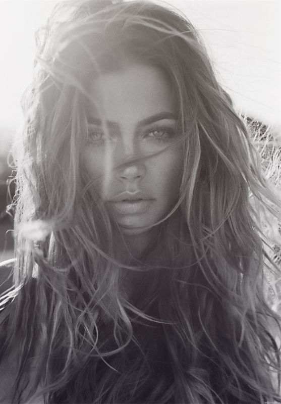 gorgeous makeup + hair /  http://larevuedekenza.fr/