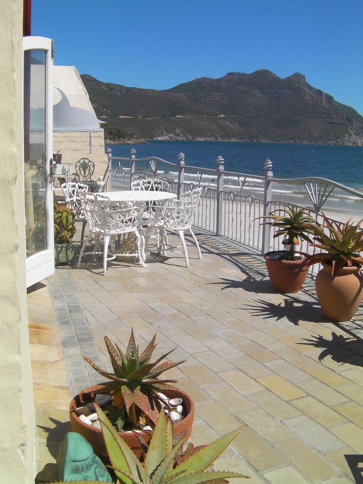 2 bedroom Beachfront Apartment on Hout Bay Beach vacations.capetown/property/the-village-46/