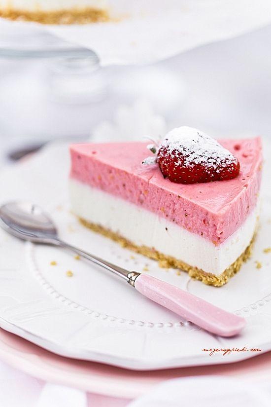 Cheesecake con mousse di fragole