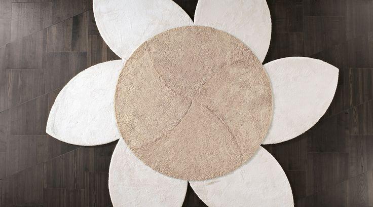 Il tappeto Plet è modulare e trasformabile: cambia il design del tuo salotto, camera o ufficio con un tappeto sempre moderno e nuovo.