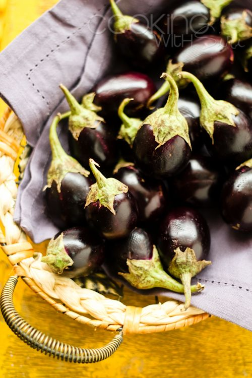 [Book Review] Bongmom's Cookbook by Sandeepa Mukherjee + Beguni (Spicy Eggplant …