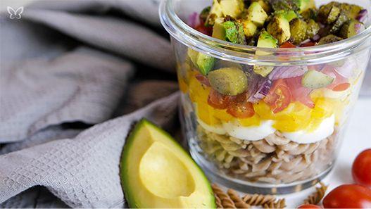 blogparade-Dinkelnudel-Salat ei tomate avocado rezept