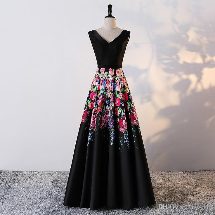 Black Floral Women Prom Dresses Long Evening Gowns With Flowers Printing Pattern V-Neck A-Line Teens Party Dresses Floor Length Formal Gowns