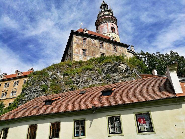 Best Small Towns Europe: Cesky Krumlov in Czech Republic. #CESKYKRUMLOV , #CESKYKRUMLOVCASTLE , #CZECHREPUBLICTOURIST , #INSTAGRAMLOCATIONS, #LUXURYHOTELS #CESKY #KRUMLOV, #SMALLTOWNSCzech  #TOYTOWNS #holidayideas #luxuryholidays #secretspotstourists #secreteurope #europeguide #czechtravelguide #awesomeholidays #awesomeczechplaces #czechbars