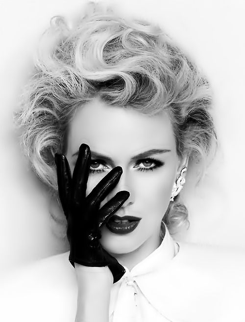use hand on face with black background -repinned by LA County photography studio http://LinneaLenkus.com  #portraitphotographyinspiration