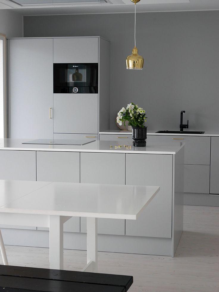 Projektila / Gray kitchen