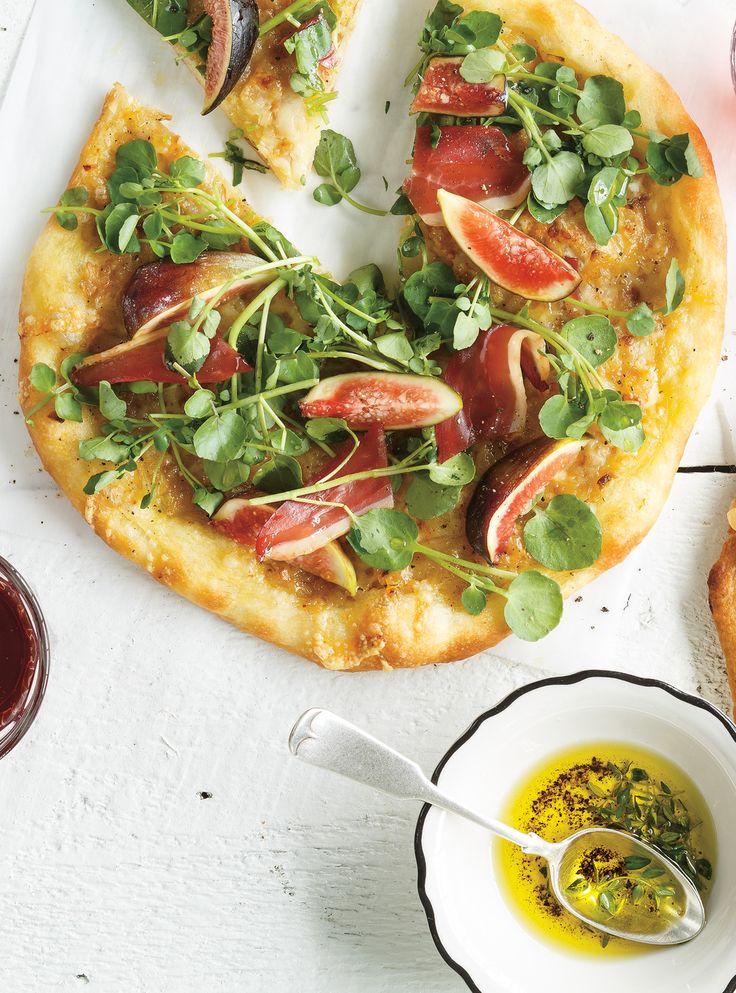 Recette de Ricardo de pizza au canard séché, aux figues et au cresson