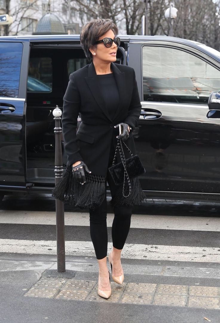 Best 25 Kris Jenner Style Ideas On Pinterest Kris Jenner Kris Jenner Fashion And Kris Jenner