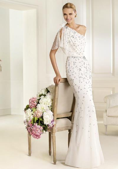 Красивое платье испанской танцовщицы